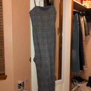 F21 HOUNDSTOOTH SQUARE NECK JUMPSUIT $12